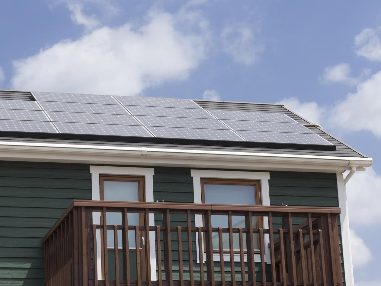 契約者が増える度に太陽光発電システムが設置され、契約を更新すると、ポイントが増える。